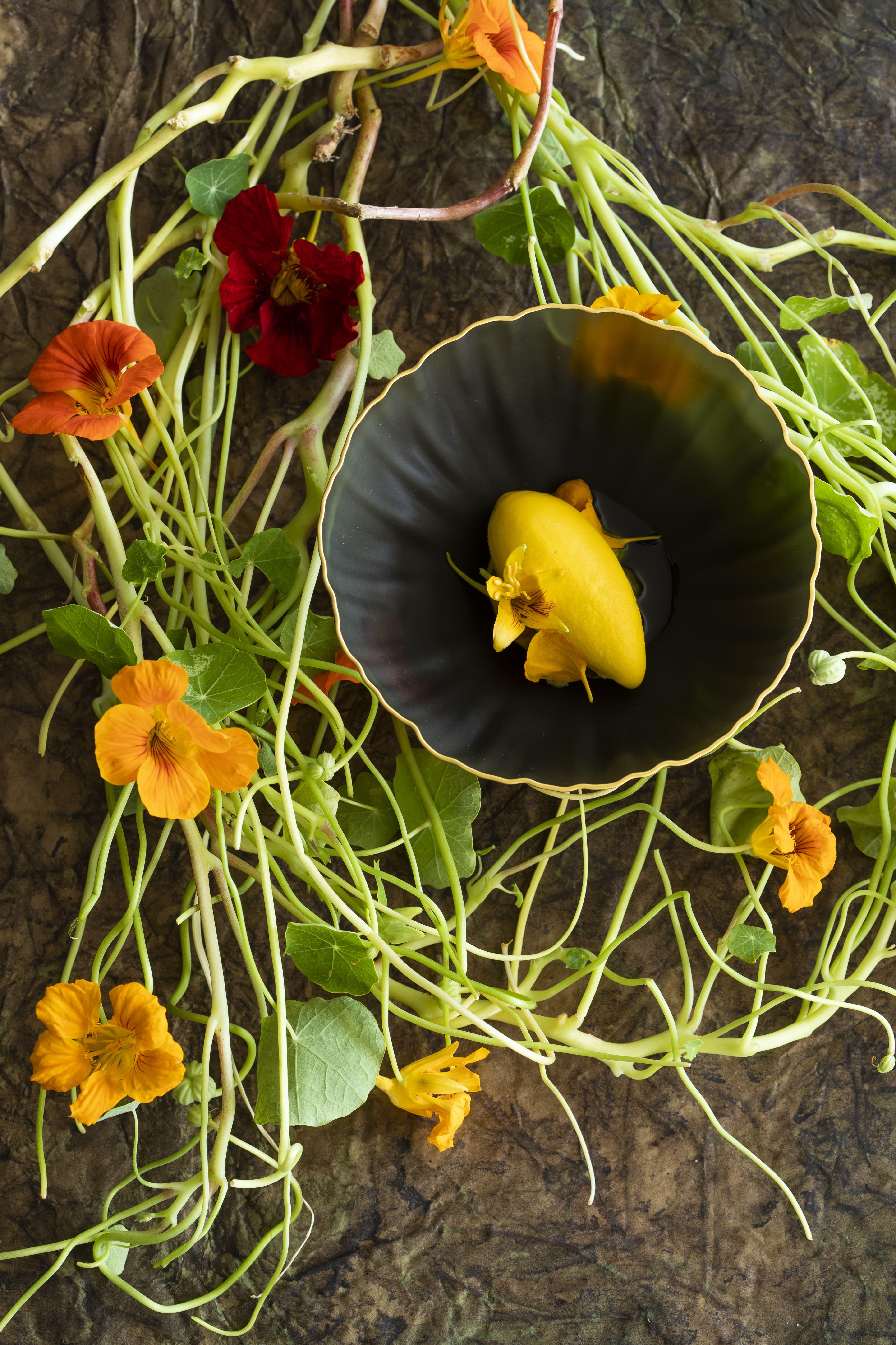 Capucine, Mirazur Flowers Universe @Matteo Carassale