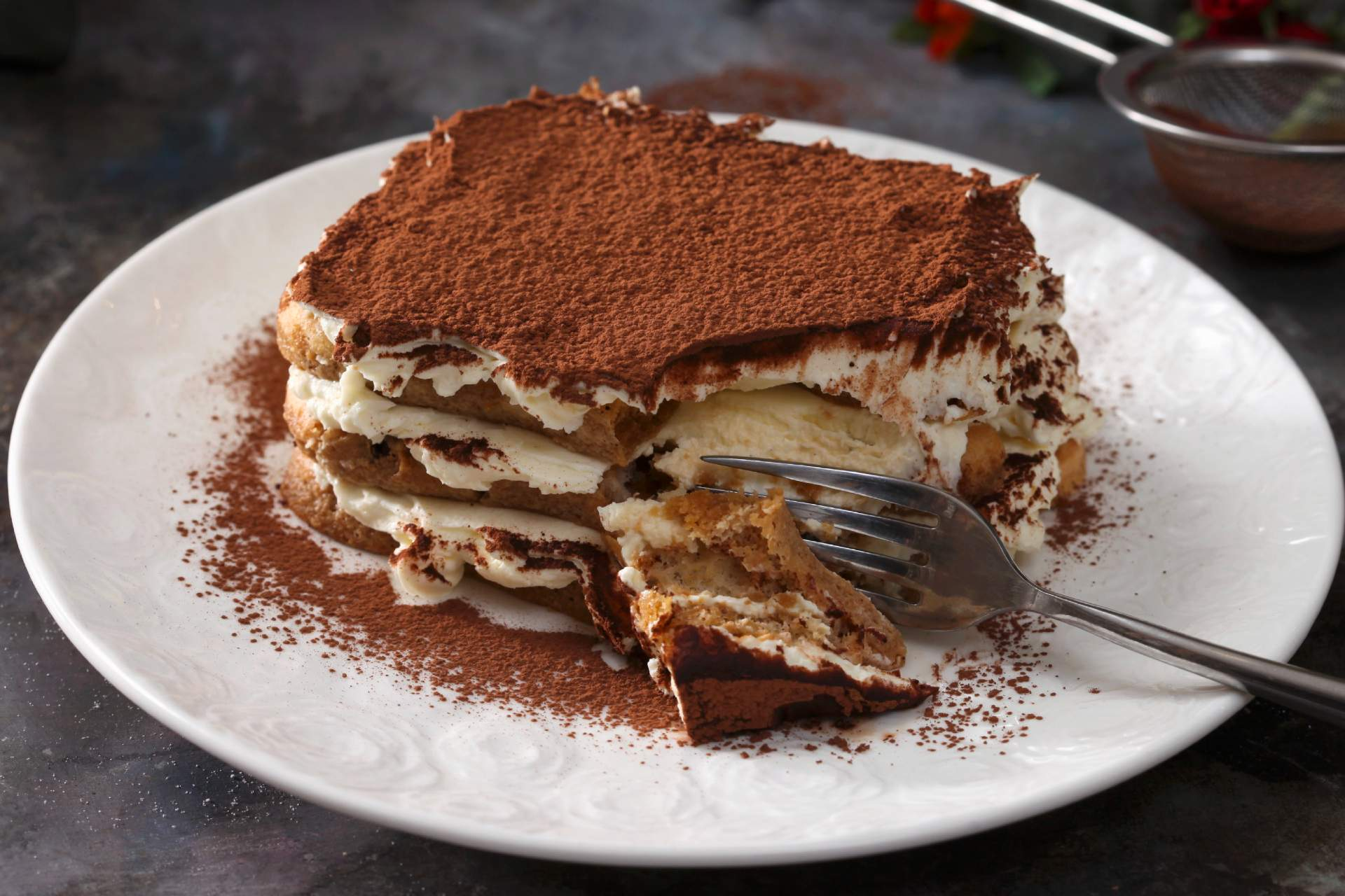 piece of tiramisu on plate ©StockFood Bialy Boguslaw