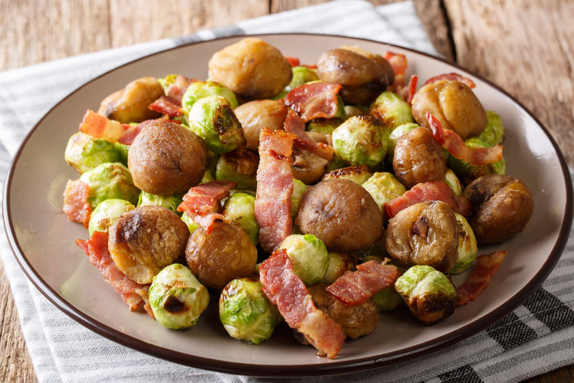 brussels sprouts with bacon ©iStock