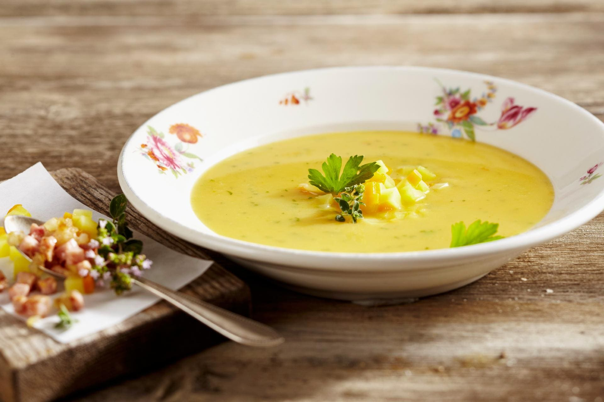 potao soup ©StockFood Teubner Foodfoto