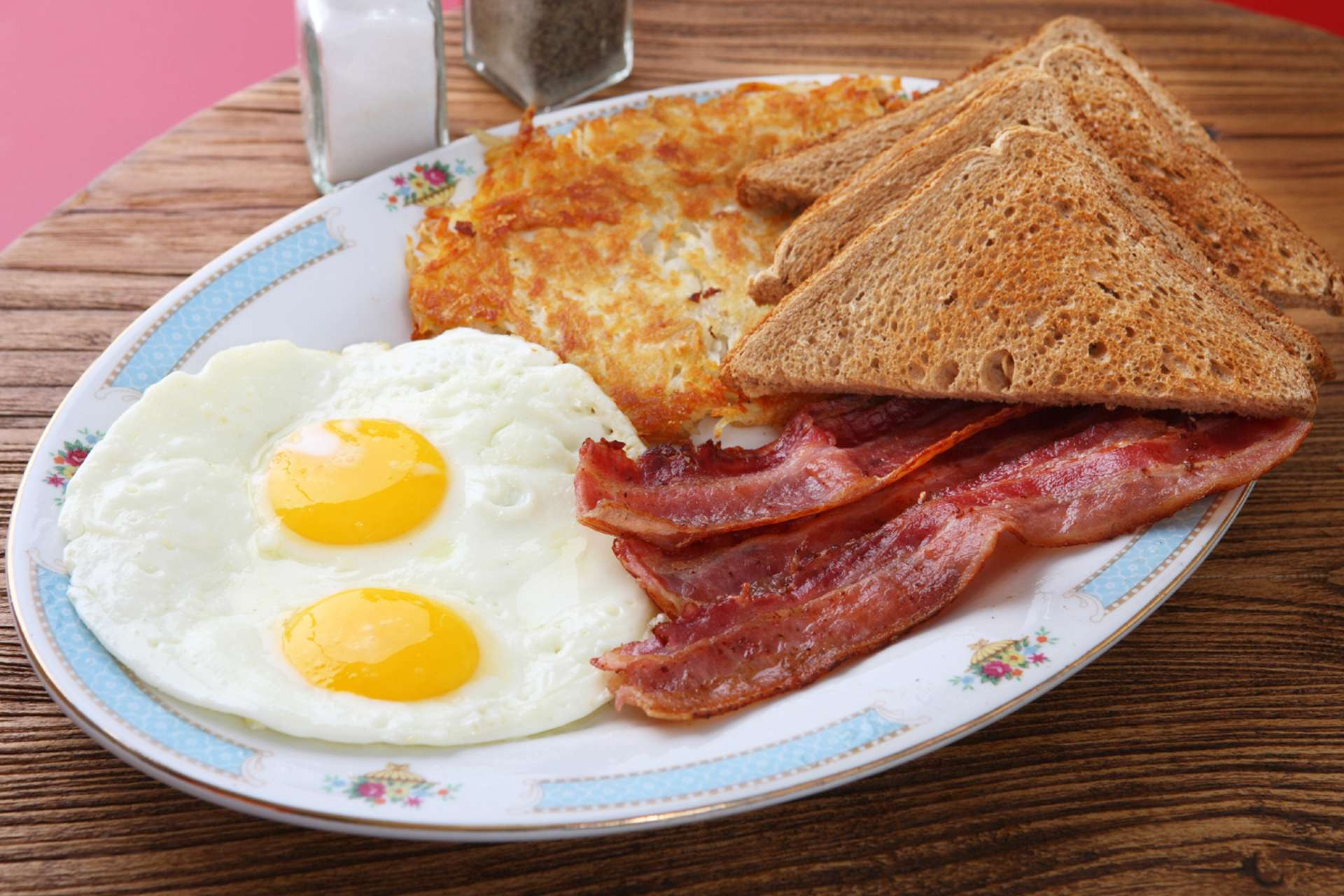 typical english breakfast ©iStock