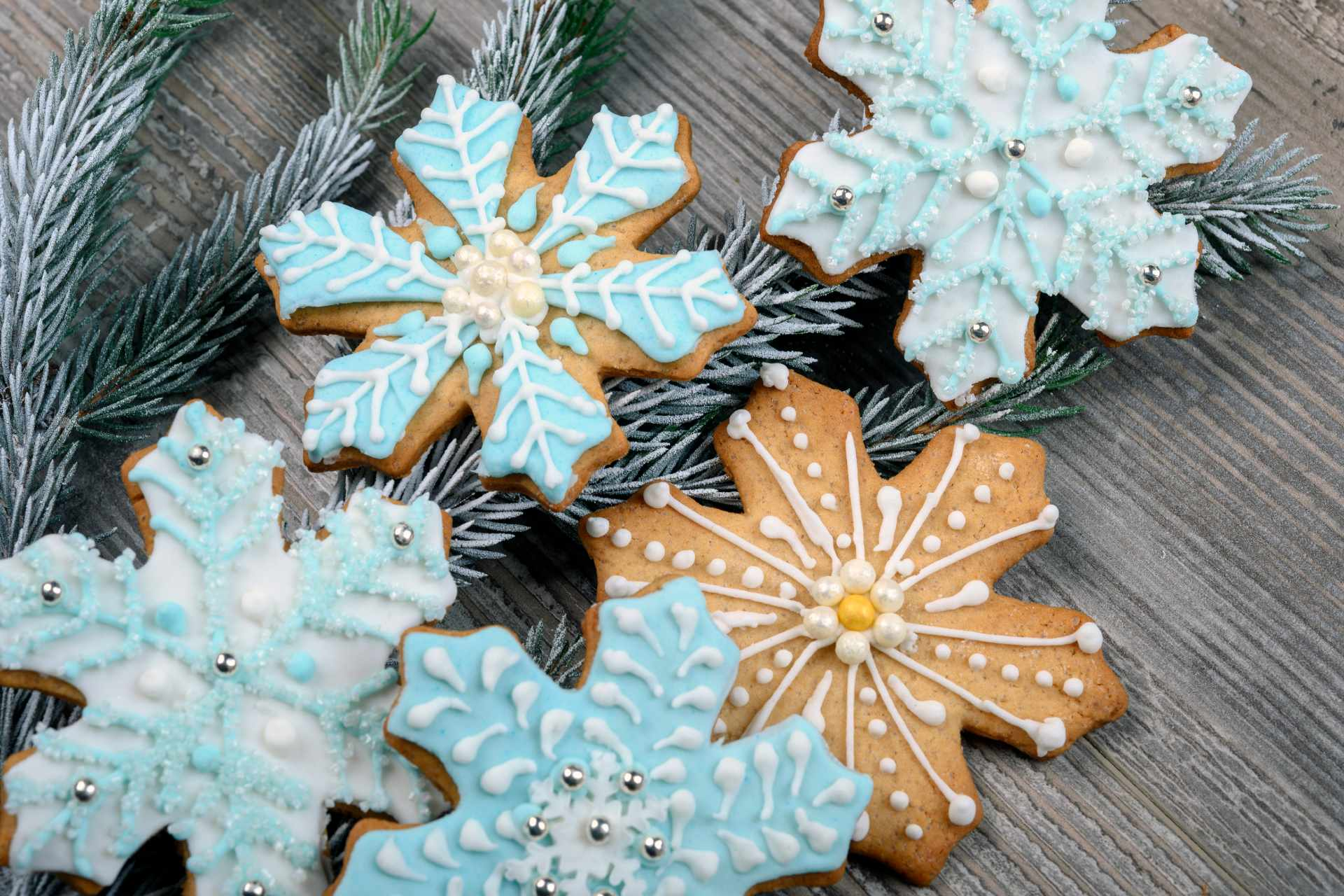 icing covered biscuits ©iStock