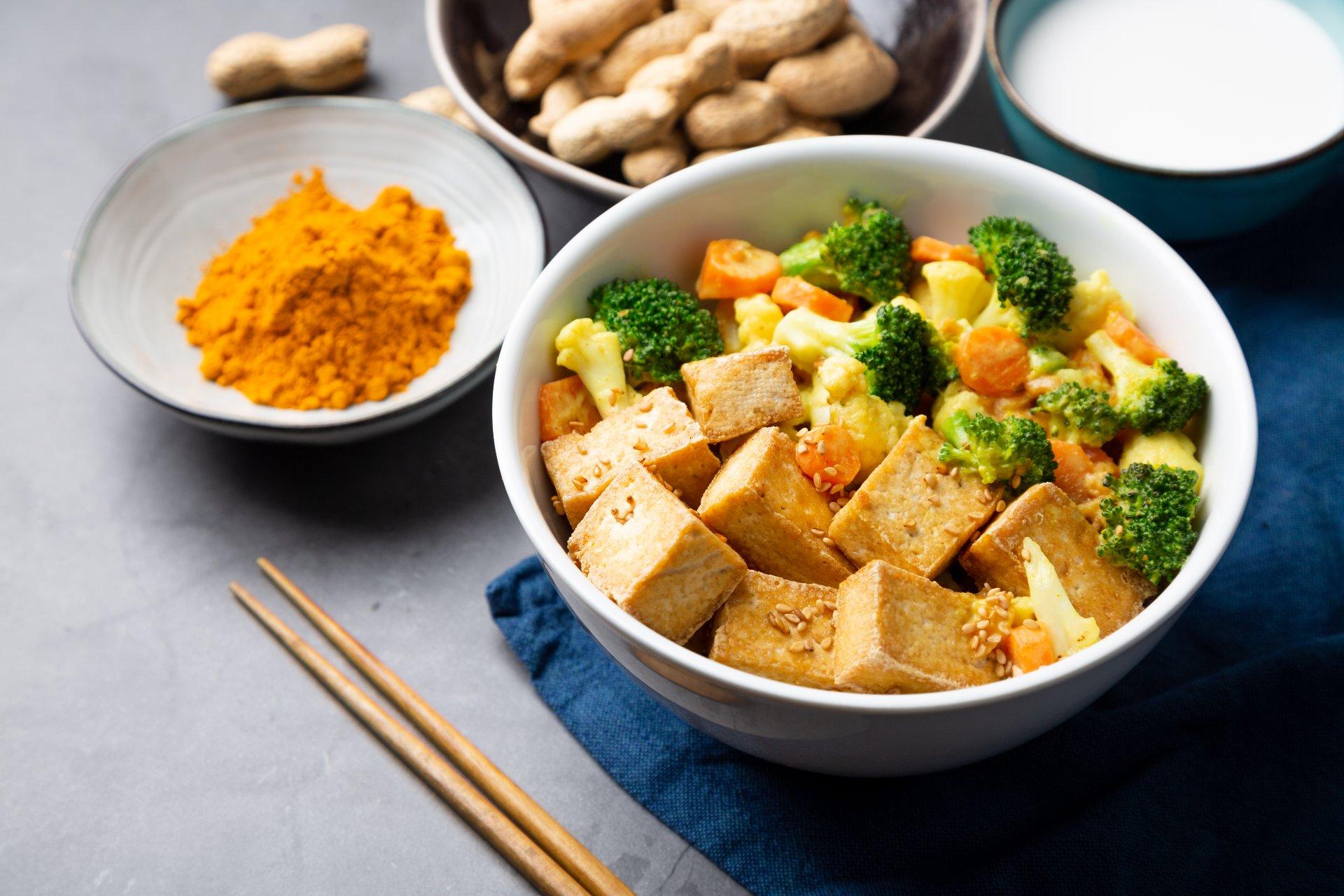 vegetarian-meal-tofu-broccoli-curry