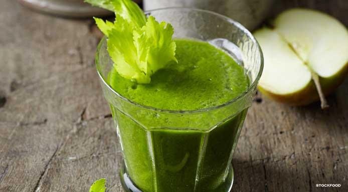 l_11001_spinach-apple-celery-zucchini-smoothie.jpg