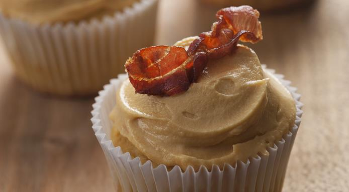 l_13025_cupcakes-maple-syrup-bacon.jpg