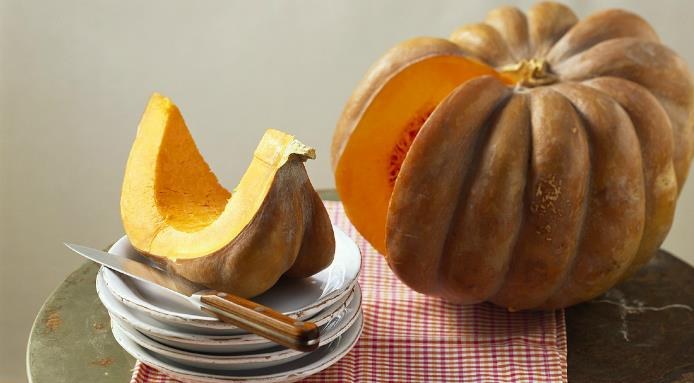 l_13972_cut-pumpkin.jpg