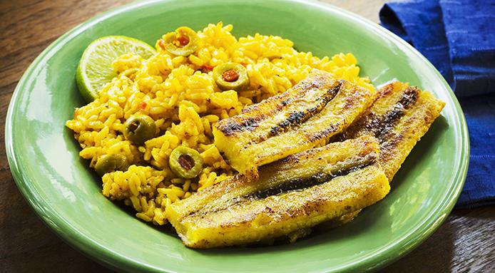 l_14660_yellow-rice-olives-plantains.jpg