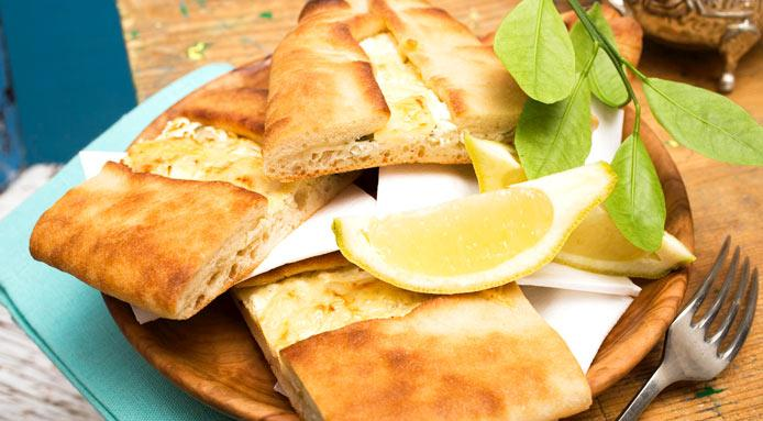 l_1565_turkish-flat-bread-pide-sheep-cheese-CUT1.jpg
