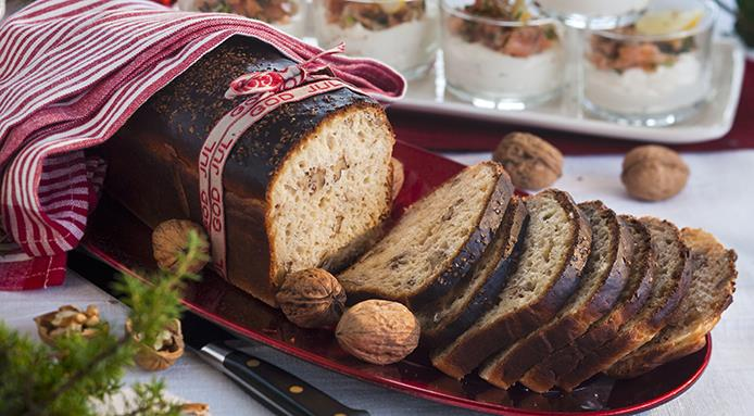 l_16529_walnut-bread-christmas.jpg