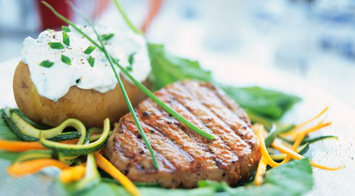l_1780_steak-new-potato-00230183-CUT1.jpg
