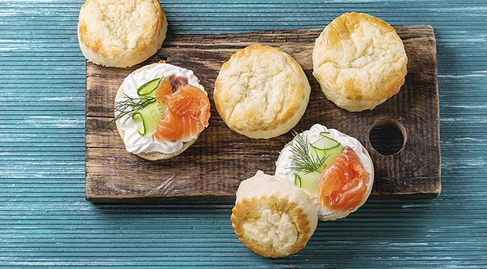 l_18293_sliced-traditional-english-cheese-scones.jpg
