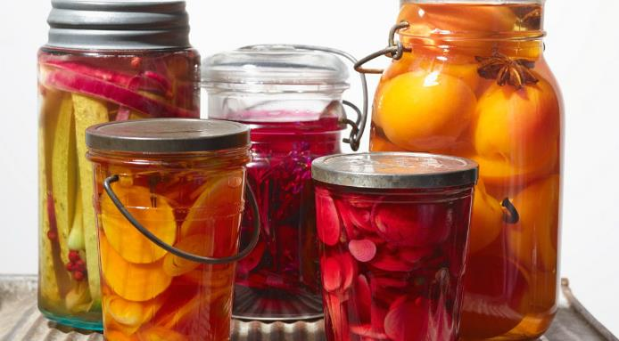 l_1883_canning-preserved-food.jpg