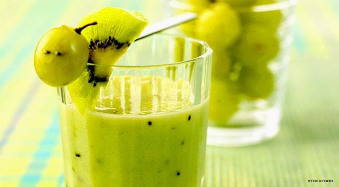 l_9755_grape-kiwi-fruit-smoothie.jpg