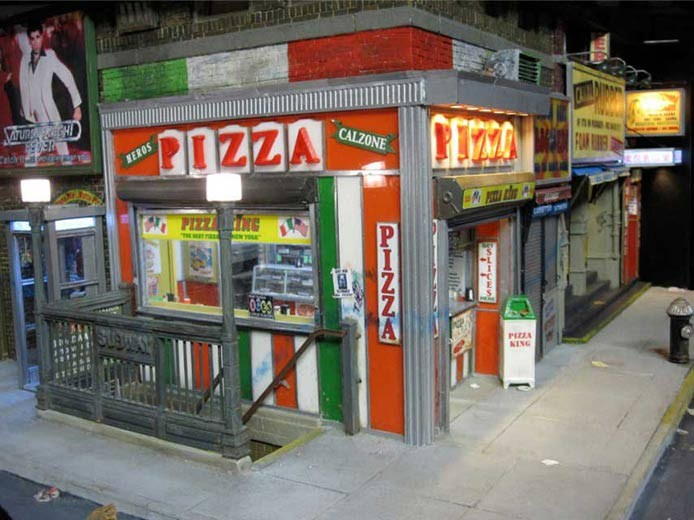 Miniature Urban Sculptures by Alan Wolfson | Pizza