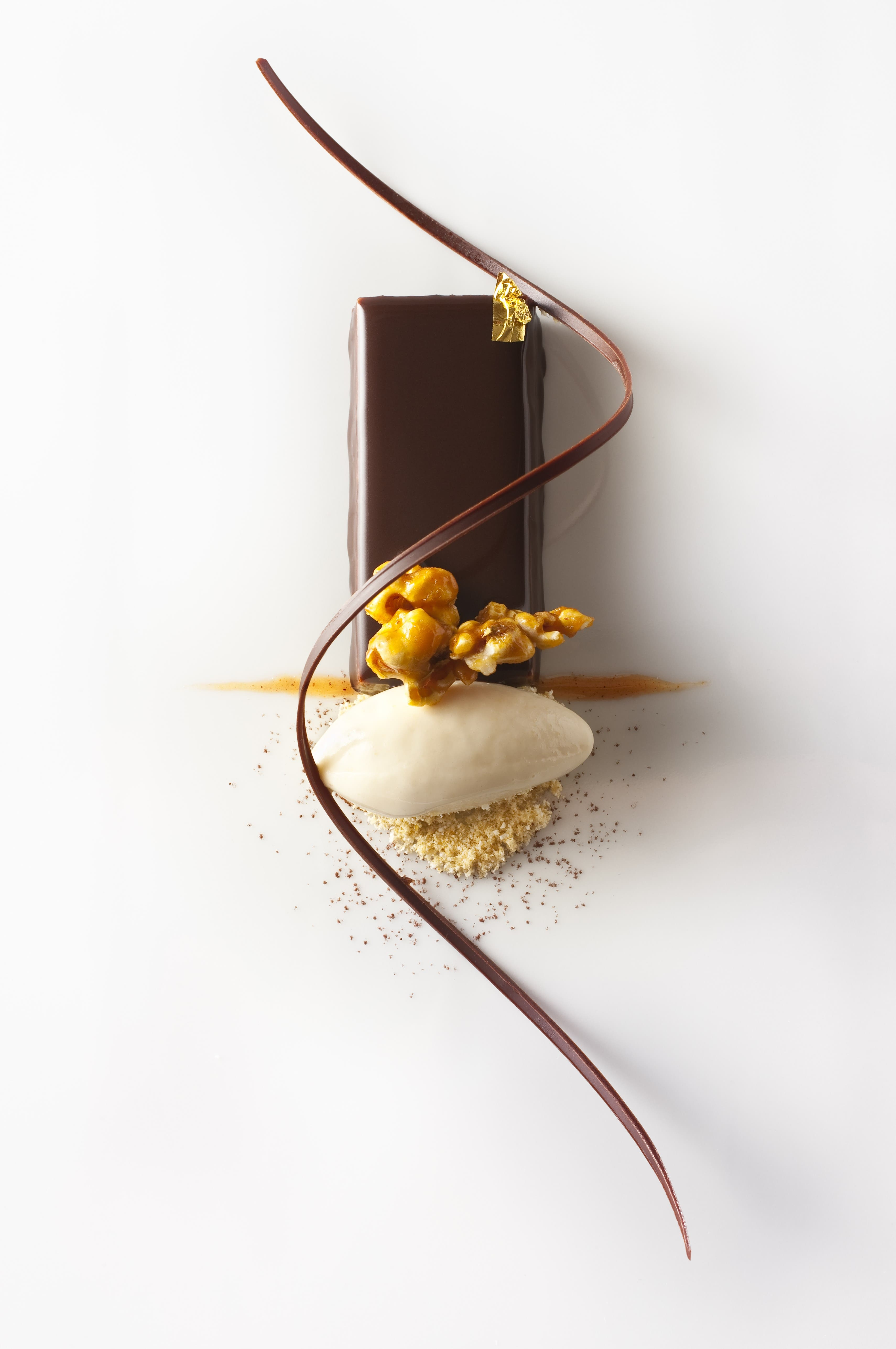 EMP_Chocolate Palette with Peanuts and Popcorn Ice Cream_Francesco Tonelli