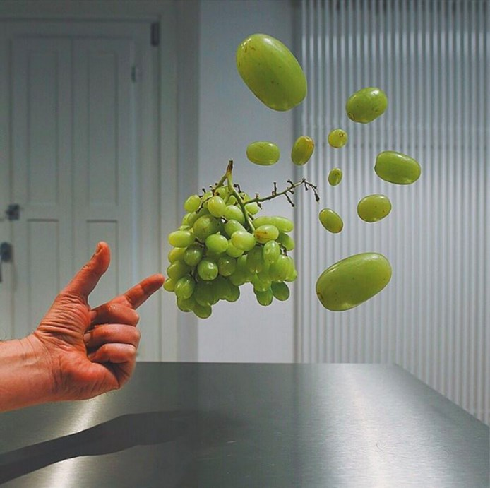 Kitchensuspension_grapes
