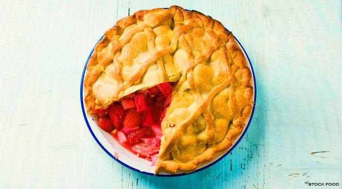 Rhubarb Strawberry Pie