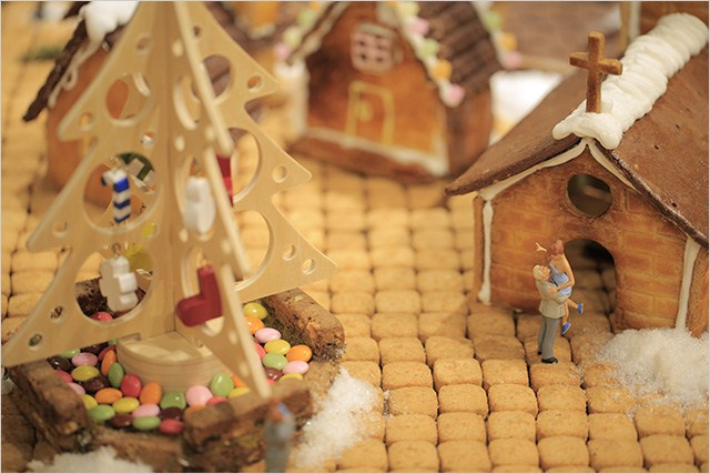 gingerbread-village-1
