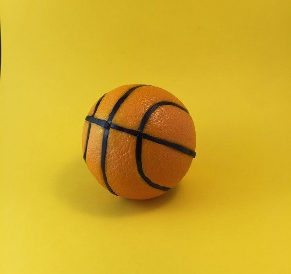 orange-balon-de-basket-mundane-matters