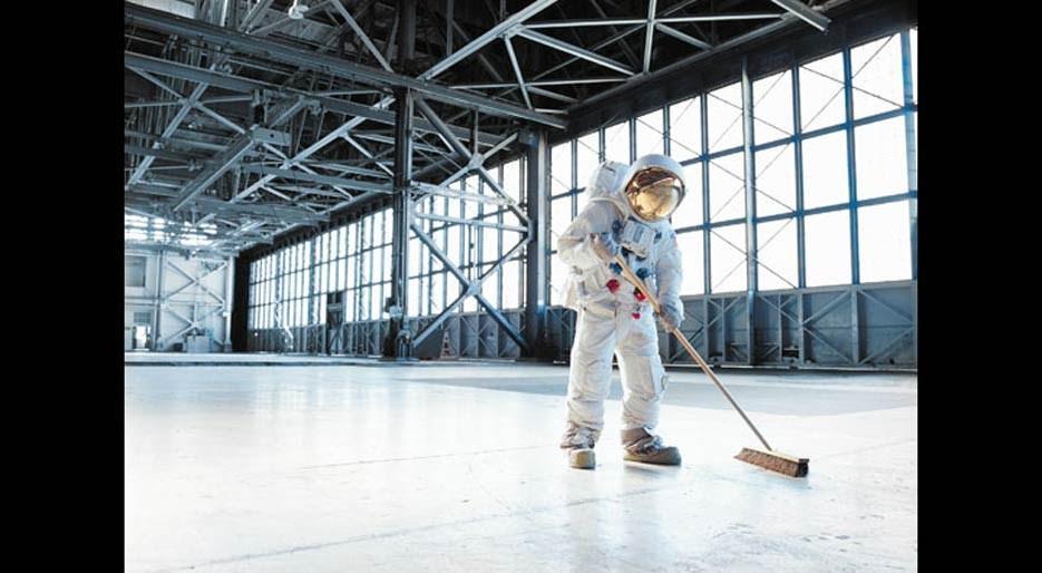 original_12-HFREEMAN-Astronaut-sweeping.jpg