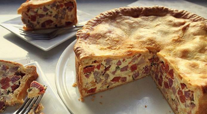 The Best Italian Meat Pie Recipe Pizza Rustica Finedininglovers Com