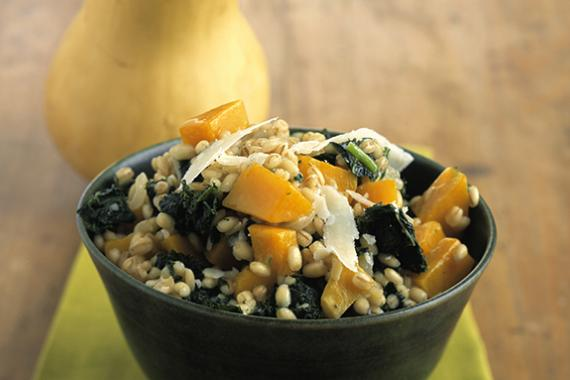 barley salad with spinach
