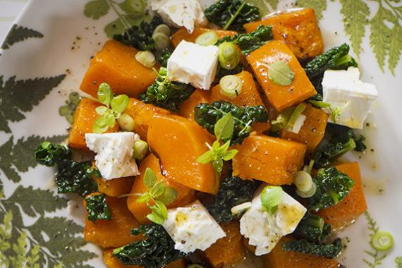 pumpkin salad with kale and goat cheese